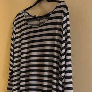Black and White Stripe Tunic, Sidetails, 3X